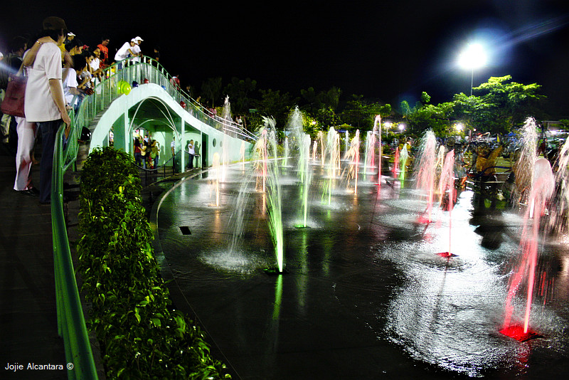 Davao City's People's Park at night © Jojie Alcantara